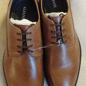NWOT Alfani Men Greg Brown Plain Toe Shoe